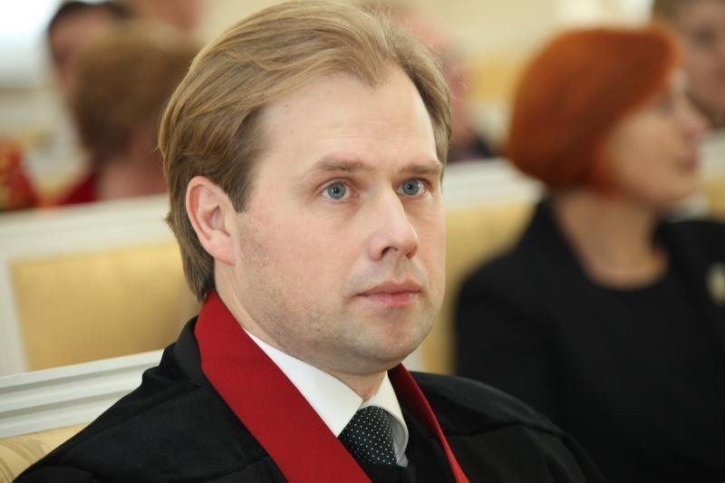 Atsistatydina generalinio prokuroro pavaduotojas A.Nevera