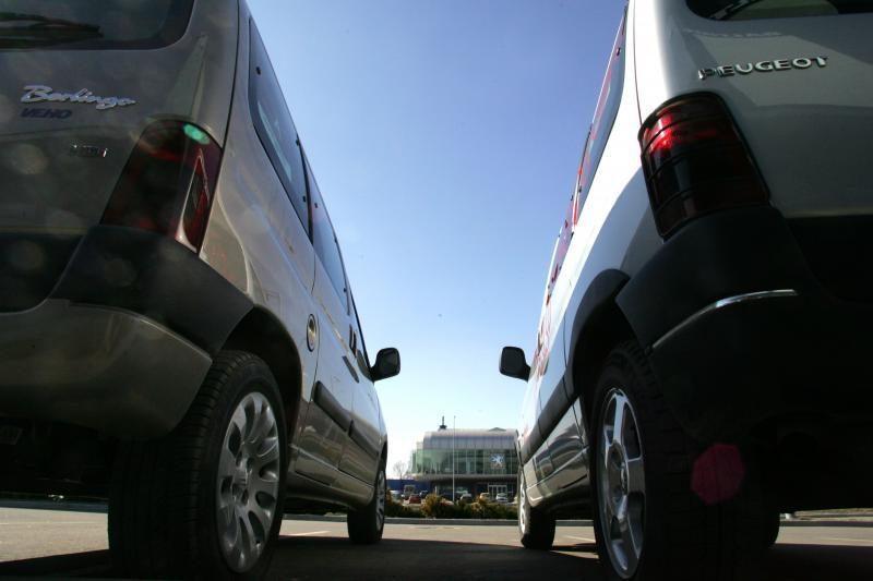 Automobilių turguose prekeivius išbaidė šaltis