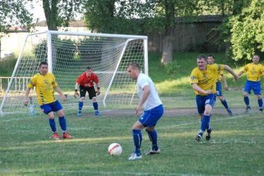 Lietuvos futbolo 2-osios lygos Vakarų zonos čempionate – favoritų pergalės