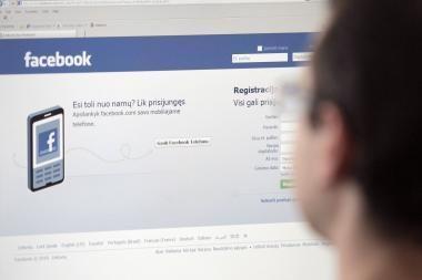 """D. Britanijos policija chuliganus seks per """"Facebook"""""""