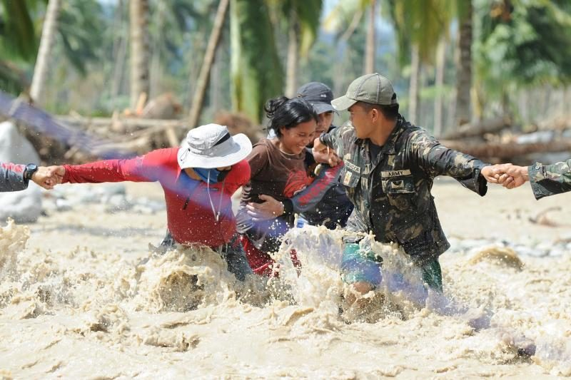"""Taifūno """"Bopha"""" aukų Filipinuose padaugėjo iki 477"""