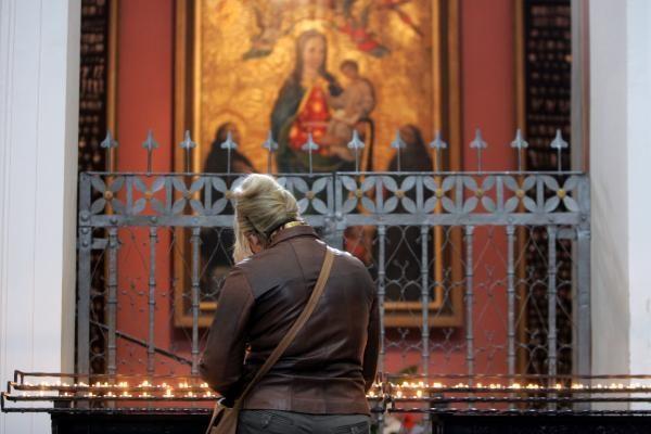 Katalikai, laukdami Velykų, pradėjo Didįjį tridienį (pamaldų laikas Vilniaus bažnyčiose)