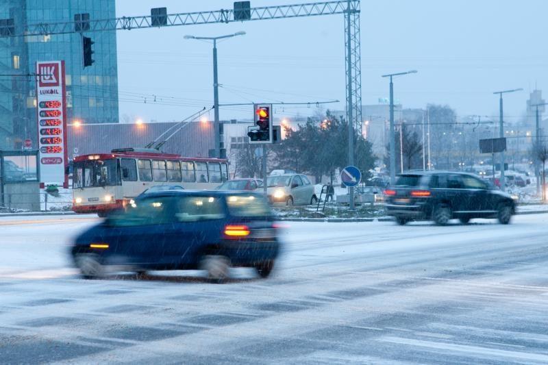 Lietuvoje - be kritulių, rajoniniai keliai vietomis slidūs