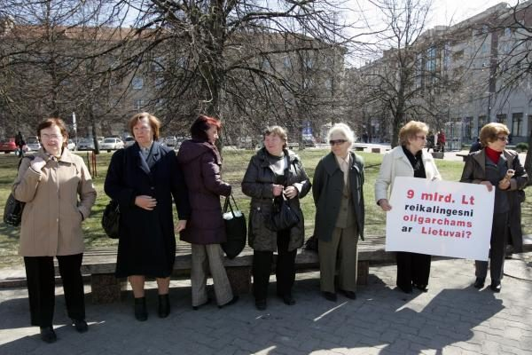 "Prie Seimo - mitingas prieš ""Leo LT"""