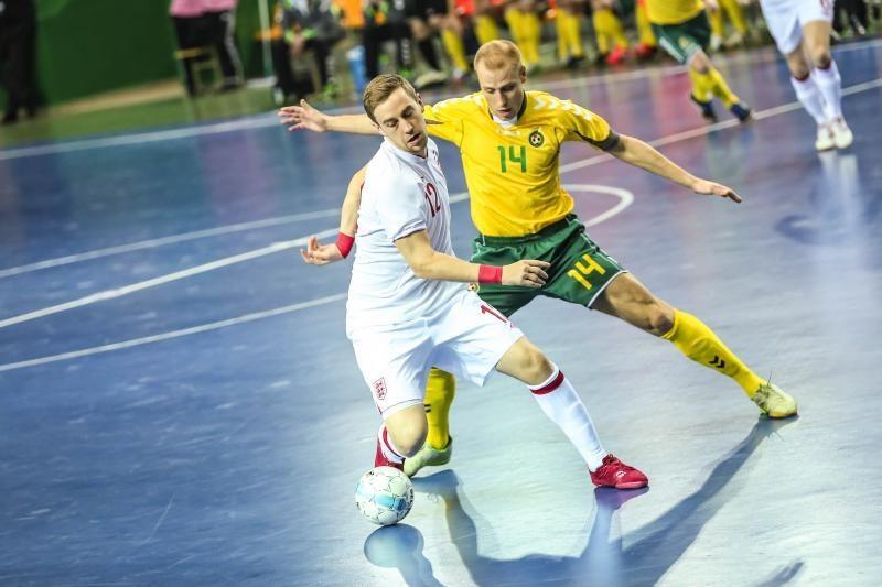 Po atkaklios kovos Lietuvos salės futbolo rinktinė nusileido anglams