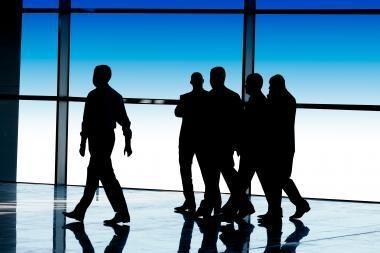 Ekonomistai abejoja Vyriausybės planais legalizuoti dalį šešėlinio verslo