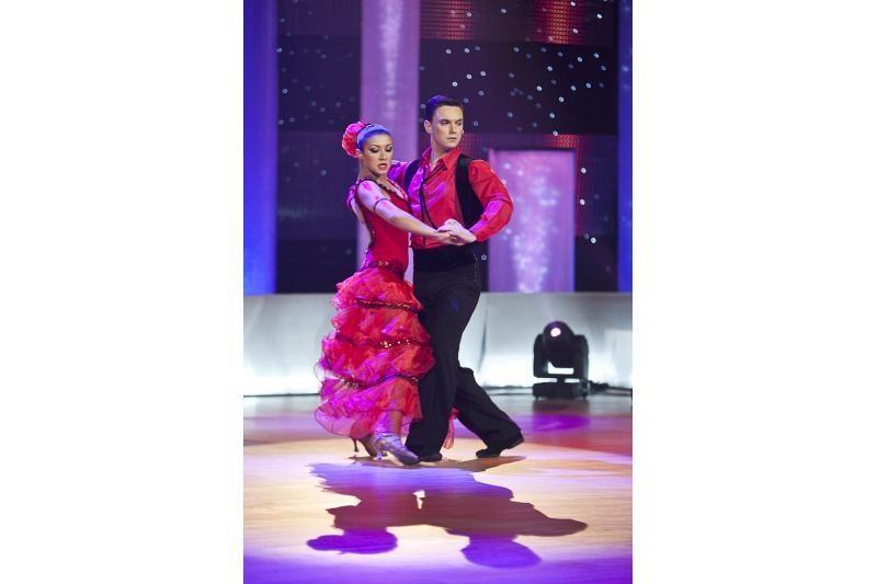 """""""Kviečiu šokti"""" lažybos: šokėjų poros plaukus dažys raudonai"""
