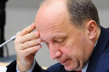 Premjeras: dėl spaudimo lenkiškų pavardžių rašybos klausimas sprendžiamas dar sunkiau
