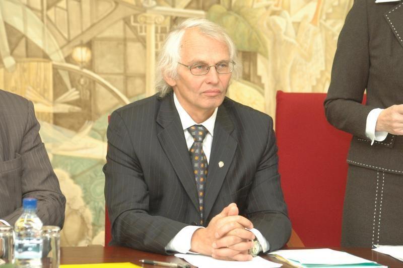 Į Klaipėdos universiteto rektoriaus pareigas pretenduoja savi