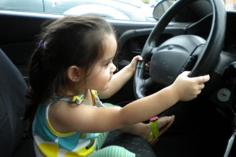 Pažeidusieji eismo taisykles užsienyje sunkiau išvengs nuobaudų