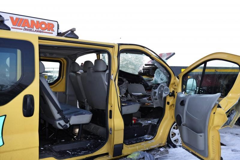 Masinė avarija Švedijoje: susidūrė apie 100 transporto priemonių