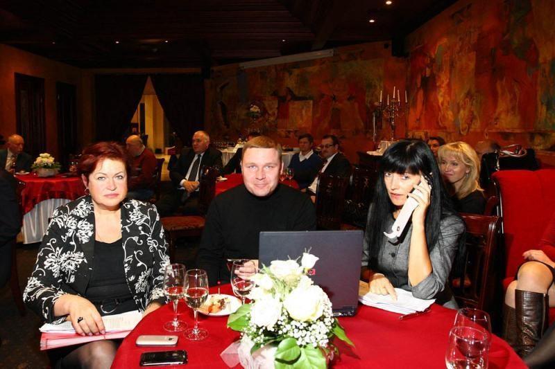 Į Seimą patekusi A. Ručienė savo suknelių neišmestų