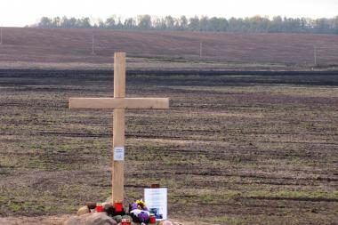 Pakapių kaime iškilo dar vienas kryžius