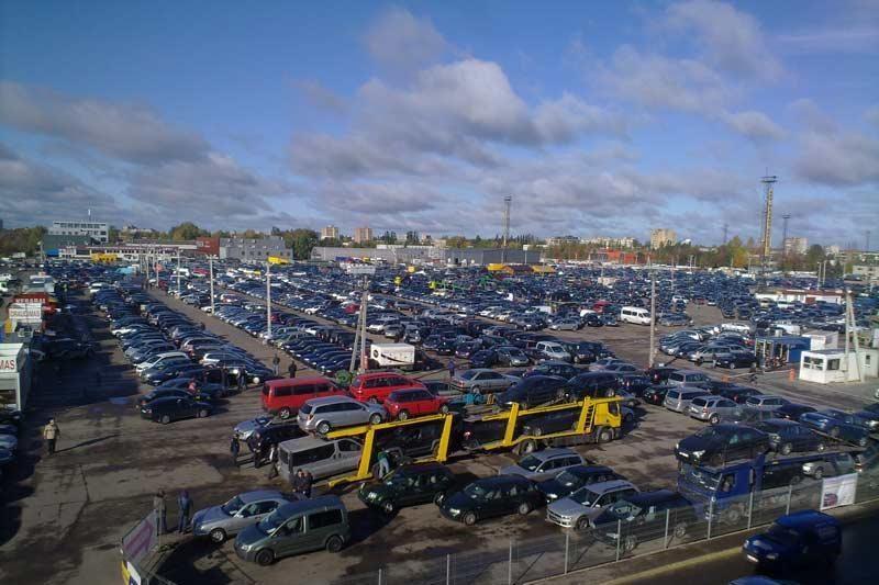 Lietuvoje užsibuvę mašinų prekeiviai patys atvyksta susimokėti baudas