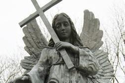 Restauruota Liubavo dvaro angelo skulptūra