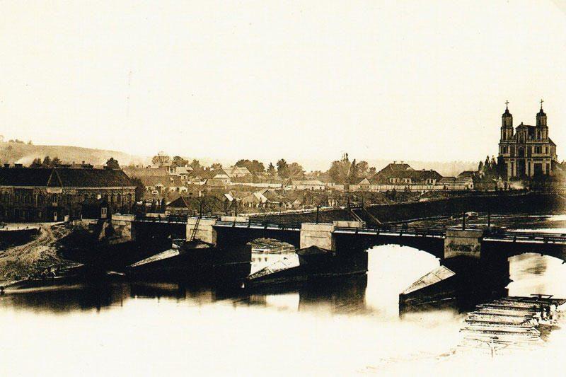 Filatelijos parodoje – įamžinti Neries tiltai