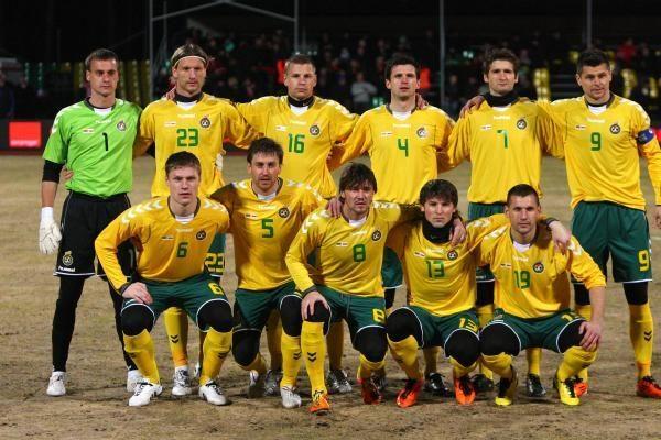Lietuvos futbolininkai netikėtai palaužė lenkus