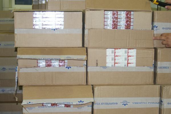 Po šaldyta silke – 1,5 mln. litų vertės rūkalų kontrabanda