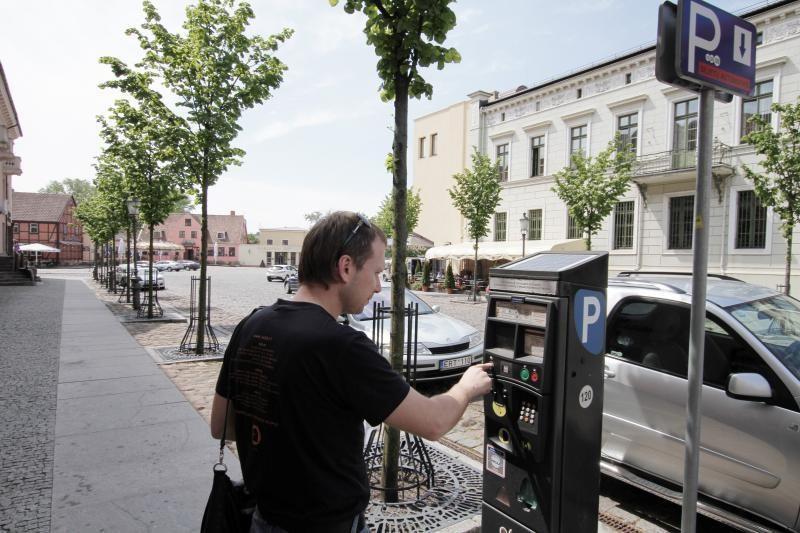 Daugiavaikėms šeimoms Klaipėdoje nereikės mokėti už mašinų stovėjimą