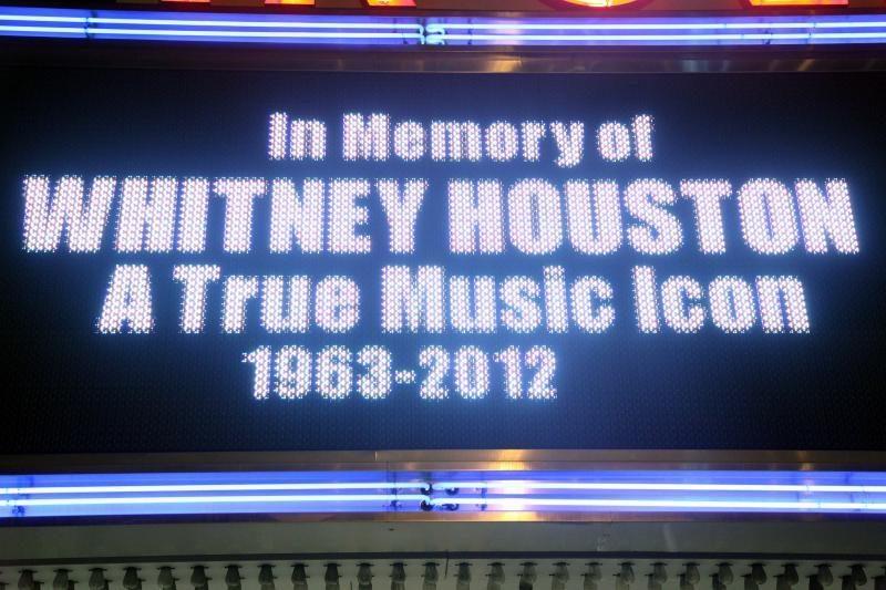Tyrėjai aiškinasi Whitney Houston mirties priežastis
