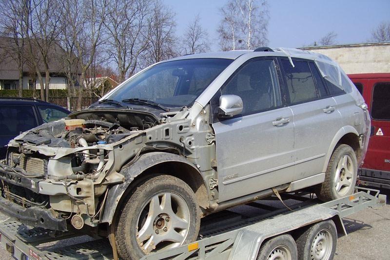 Klaipėdoje pasieniečiams įkliuvo įtartiną automobilį gabenę lietuviai