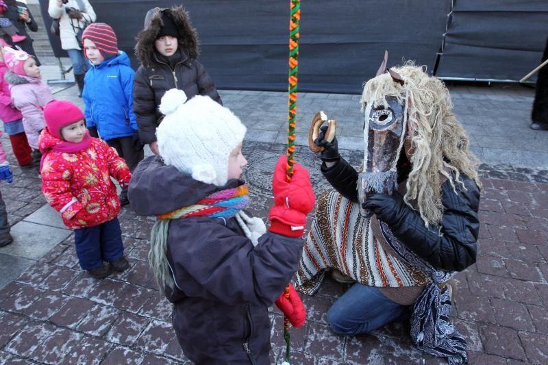 Užgavėnių linksmybės Vilniuje: mugė, blynai ir Morės kremavimas