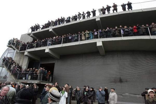 Mitinge prie Seimo kliuvo ir D.Grybauskaitei (papildyta)