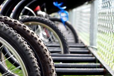 Palangoje partrenktas dešimtmetis dviratininkas