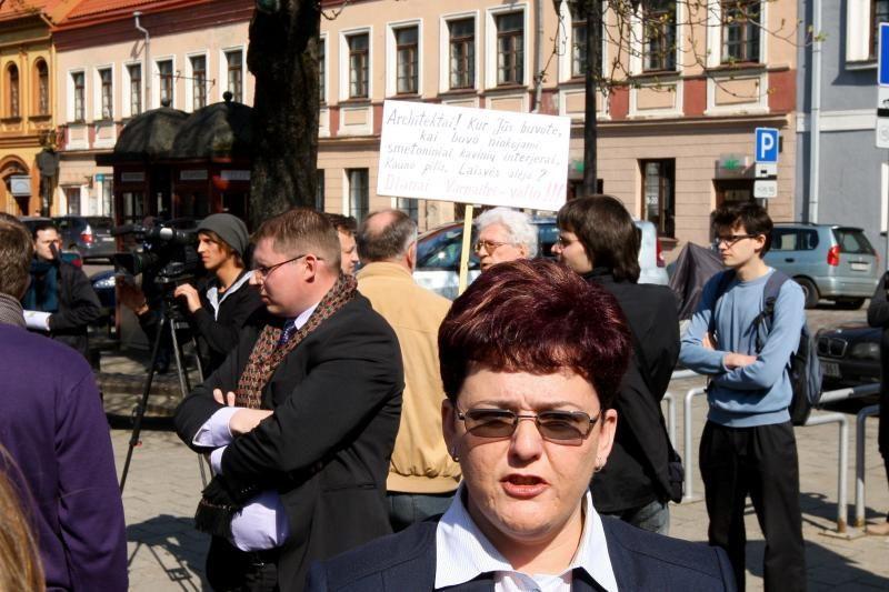 I.Vaškelienė filmavo protestuojančius architektus