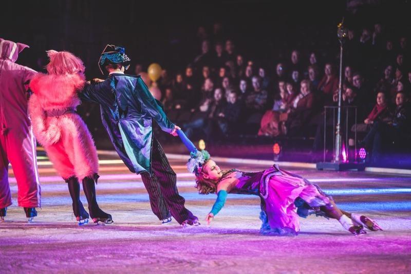 Magiškam spektakliui ant ledo kauniečiai plojo atsistoję