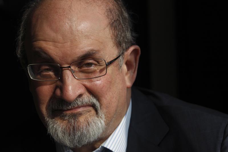 Rašytojas S.Rushdie pasitraukė iš literatūros festivalio Indijoje
