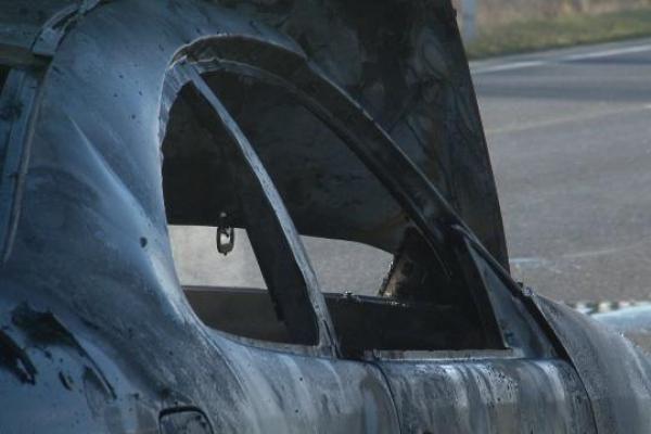 Aukštuosiuose Šančiuose degė automobilis