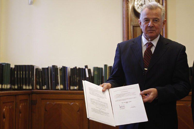 Vengrijos prezidentas kaltinamas nuplagijavęs daktaro disertaciją