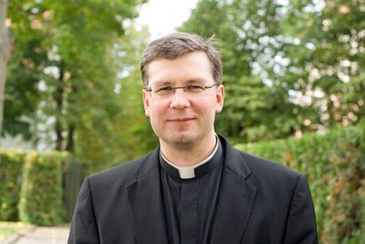 Kaune į vyskupus įšventintas kunigas K. Kėvalas