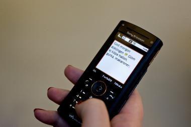 SMS siuntinėjimas vairuojant bus pažabotas
