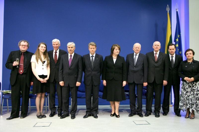 Dvylikai Lietuvos europarlamentarų talkina per pusantro šimto padėjėjų