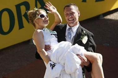 Britų pora susituokė per maratoną