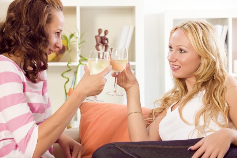 Psichologai įspėja: saugokitės alkoholinės partnerystės