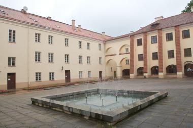 Vilniaus universitete pristatoma knyga apie kalbininką A.Ašmantą