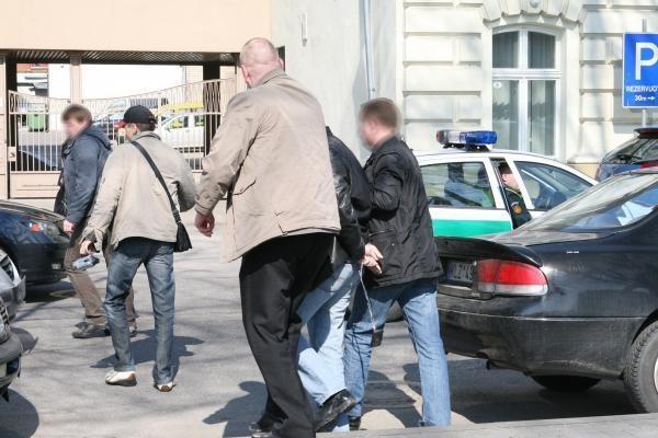 Šalia piketo – įtariamojo sulaikymo operacija (papildyta)