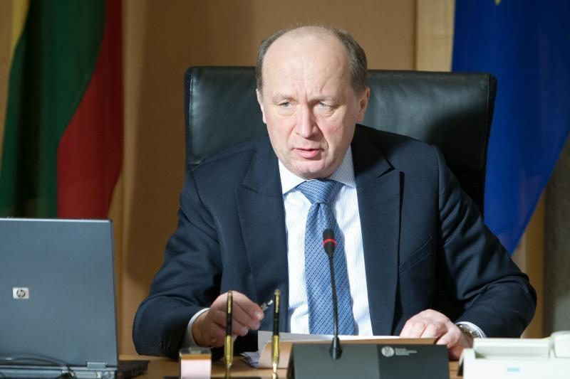 Vyriausybė neišdrįso sugrąžinti FNTT vadovų į pareigas