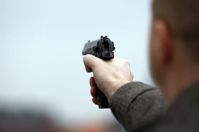 Vagių grobis – aukso dirbiniai ir pistoletas
