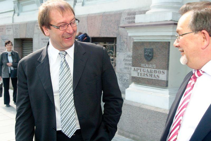 Teismas panaikino 1,3 tūkst. litų baudą liudytojui DP byloje
