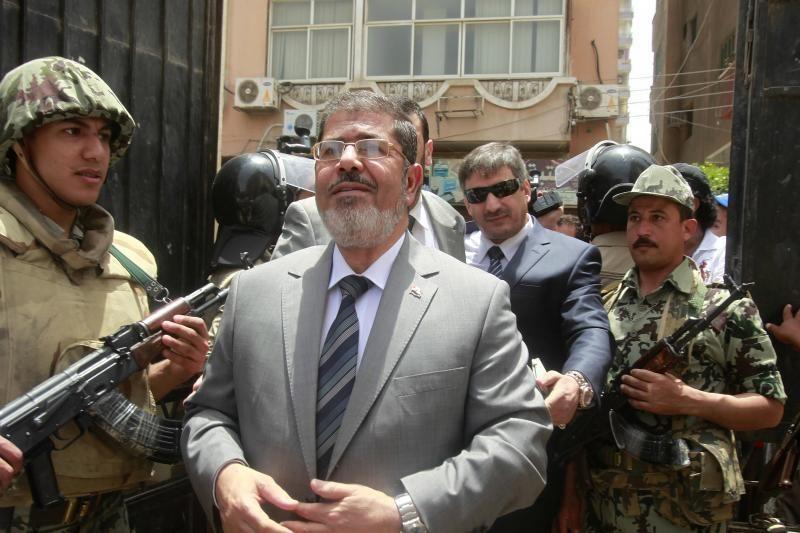 Egipto teisėjai pratęsė M.Mursi areštą 15 parų