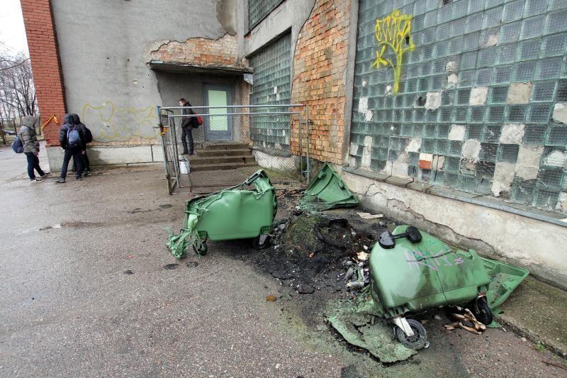 Mėginta padegti Klaipėdos futbolo mokyklos stadiono dangą