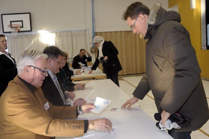 Suomiai balsuoja antrajame prezidento rinkimų rate