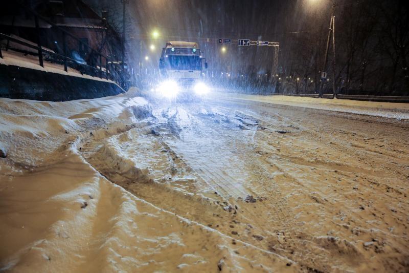 Prie Aleksoto įstrigo vilkikai, mieste pasipylė avarijos, kilo spūstys