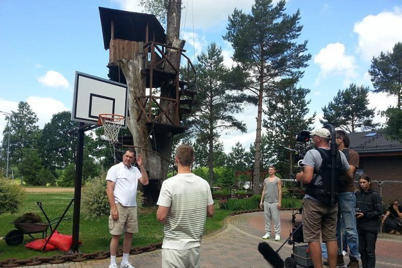 A. Sabonis su sūnumis krepšinio aikštelėje virto aktoriais (foto)