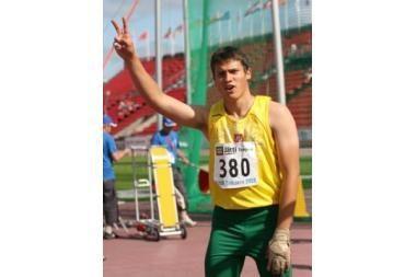Kūjo metikas M.Šedys - jaunimo olimpinių žaidynių finale