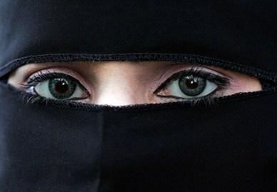 Būsimosios vyriausybės politinis rėmėjas Nyderlanduose žada uždrausti nešioti burką
